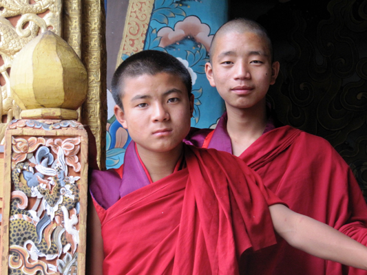 Young monks Punakha Dzong